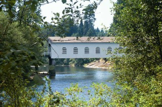 coveredbridgeoregon007.jpg